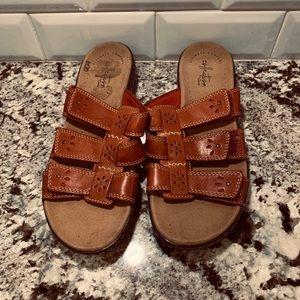 NWOT Clark Sandals